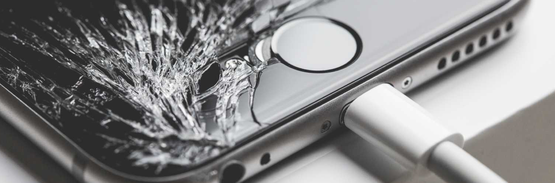 iPhone修理の正規店と非正規店の違い!iPhone修理店の選び方