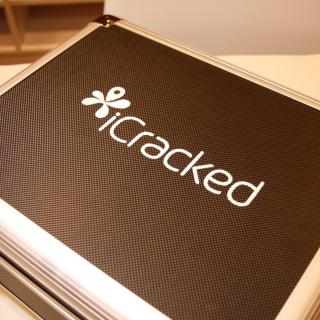 iCracked Store 立川店